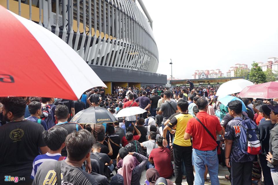 CĐV Malaysia nổi giận vì hết vé xem chung kết AFF Cup với Việt Nam-6