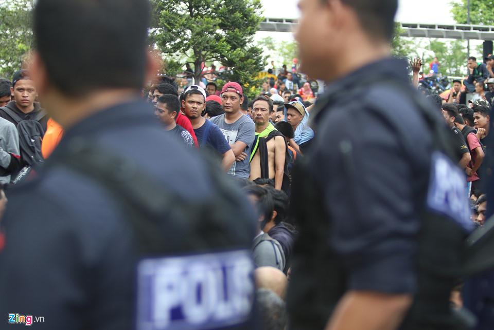 CĐV Malaysia nổi giận vì hết vé xem chung kết AFF Cup với Việt Nam-5