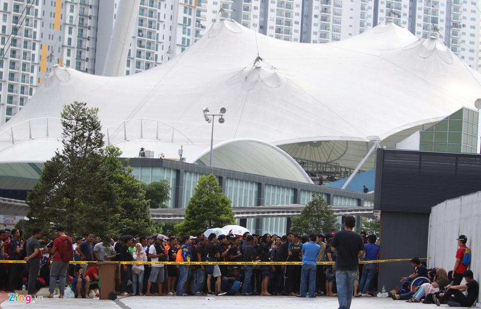 CĐV Malaysia nổi giận vì hết vé xem chung kết AFF Cup với Việt Nam-2