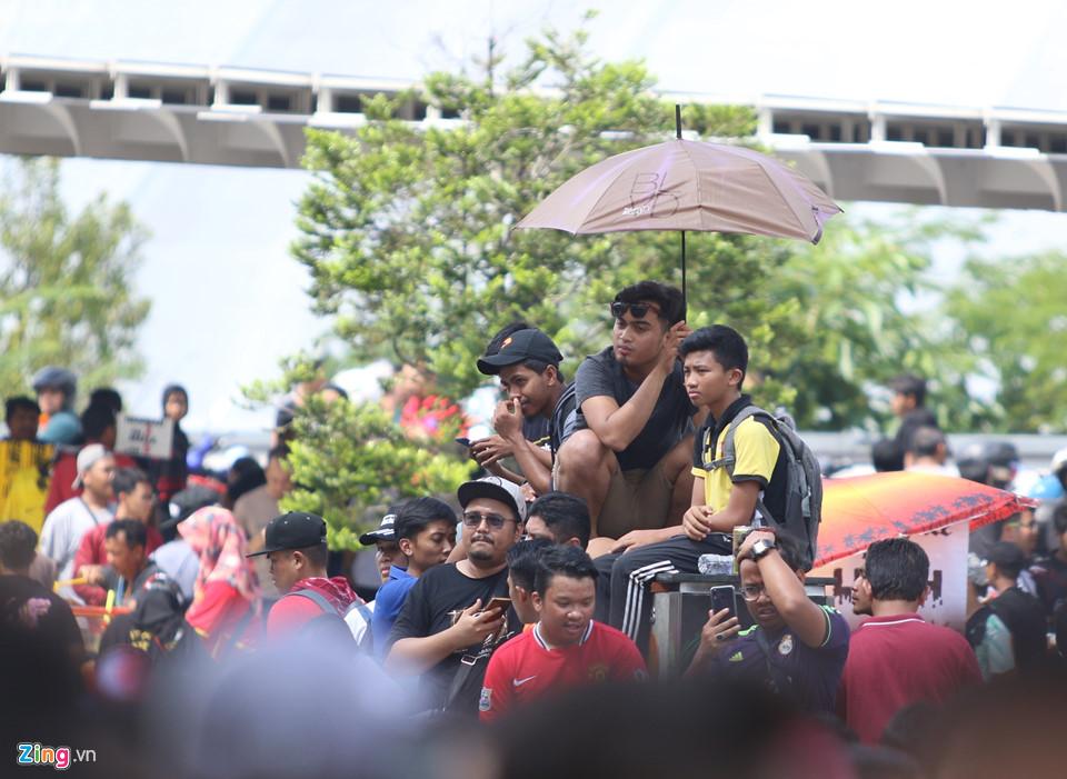CĐV Malaysia nổi giận vì hết vé xem chung kết AFF Cup với Việt Nam-12