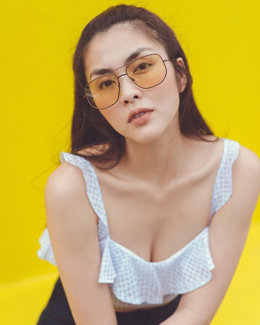 """Nhờ điểm trời cho này trên gương mặt, Hà Tăng dễ dàng chinh phục mọi mẫu kính mắt dù chúng kỳ cục"""" đến cỡ nào-8"""