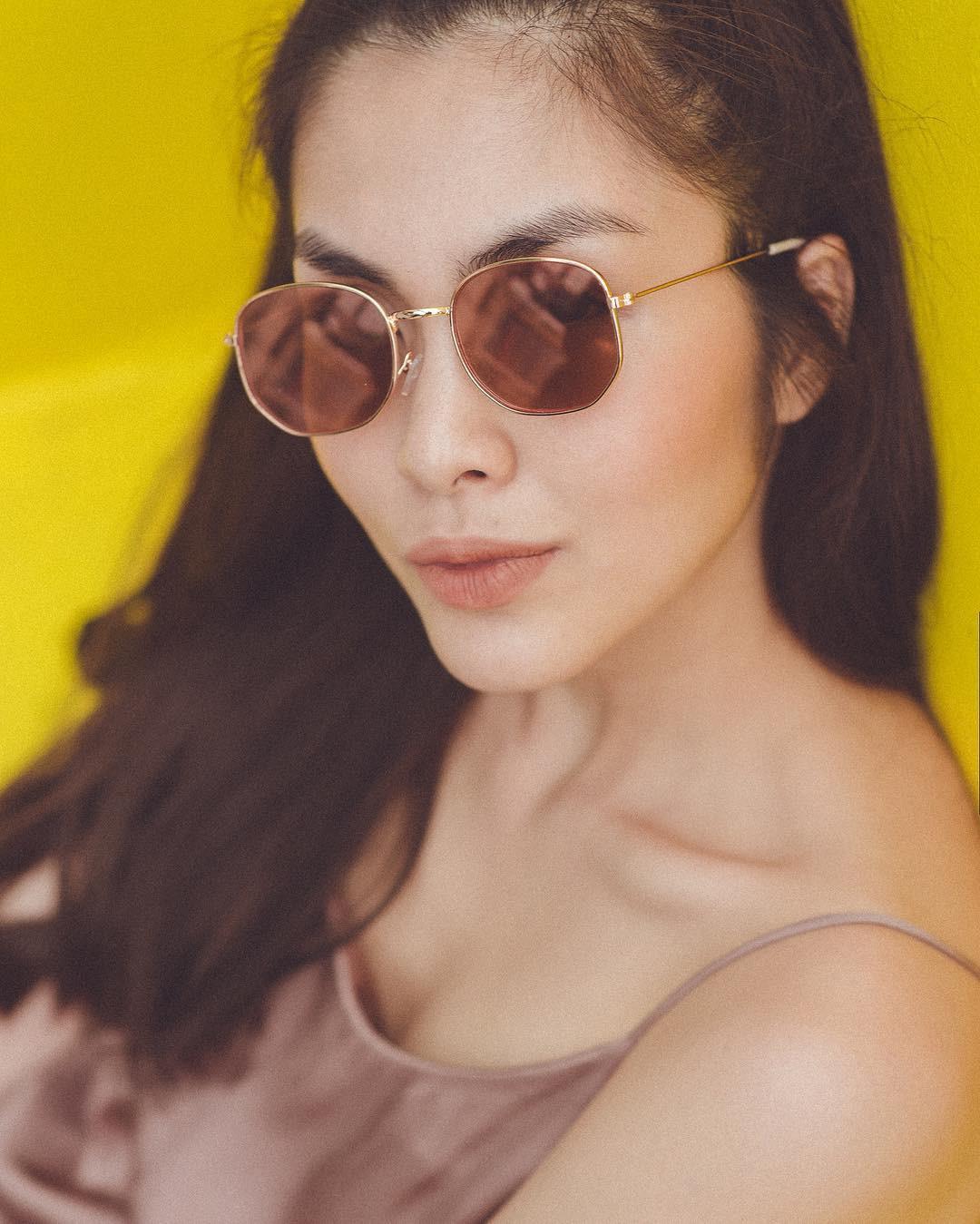 """Nhờ điểm trời cho này trên gương mặt, Hà Tăng dễ dàng chinh phục mọi mẫu kính mắt dù chúng kỳ cục"""" đến cỡ nào-9"""
