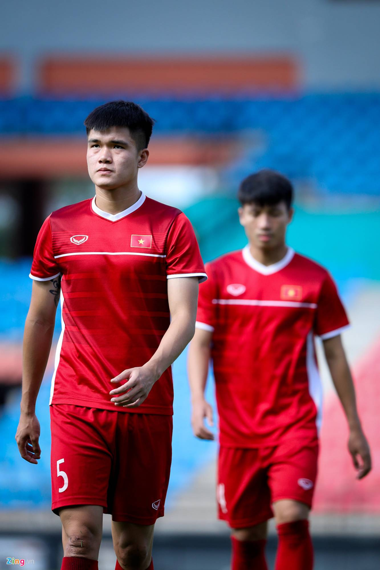 CĐV Malaysia ghi hình lén buổi tập của tuyển Việt Nam-10