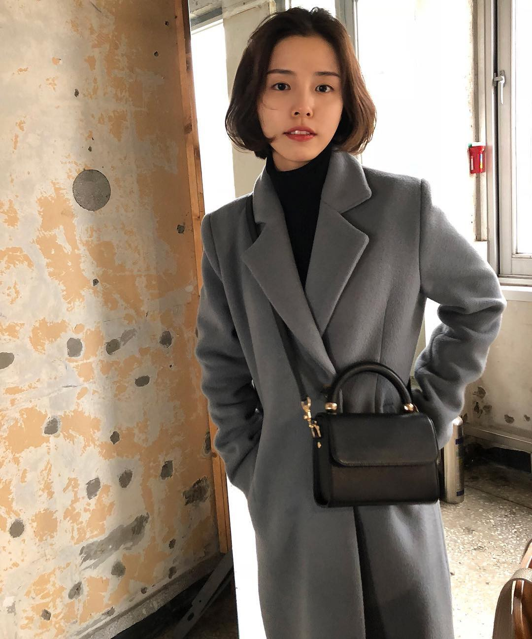 """Áo len cổ lọ + áo khoác dạ: Combo xưa như trái đất"""" đang được các quý cô sành mốt ưu ái hết mực-15"""
