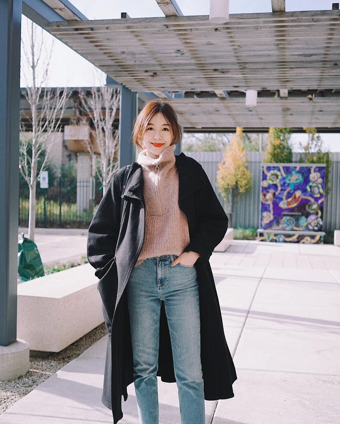 """Áo len cổ lọ + áo khoác dạ: Combo xưa như trái đất"""" đang được các quý cô sành mốt ưu ái hết mực-2"""