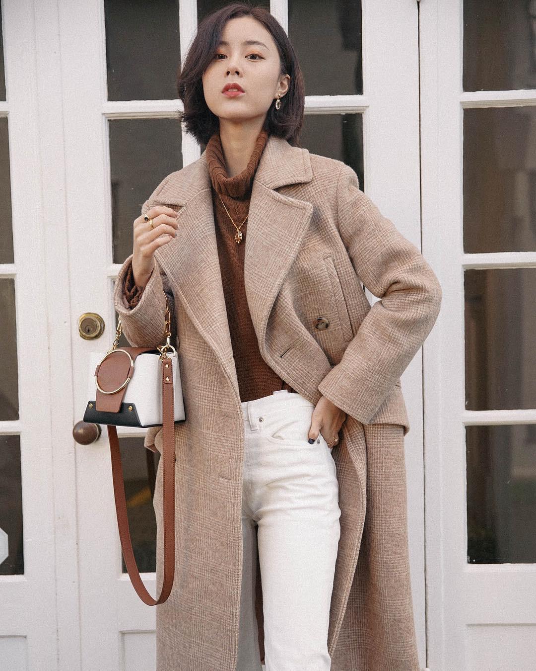 """Áo len cổ lọ + áo khoác dạ: Combo xưa như trái đất"""" đang được các quý cô sành mốt ưu ái hết mực-4"""