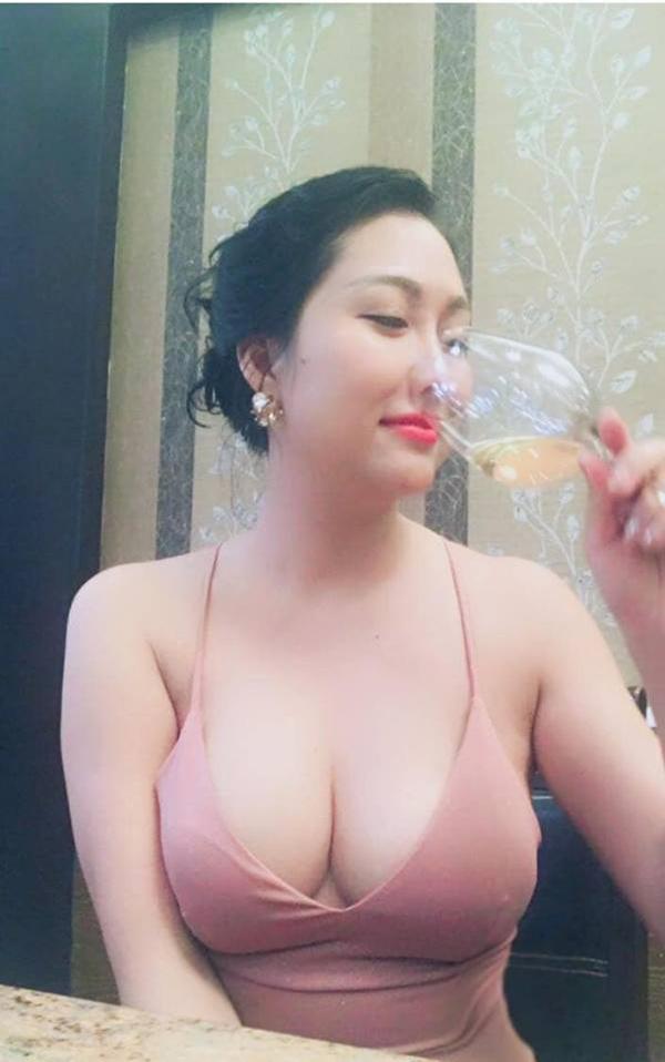 Mặc kệ ai lên án, ngày càng nhiều sao Việt bất chấp với phong cách ngực nhảy ra ngoài!-5