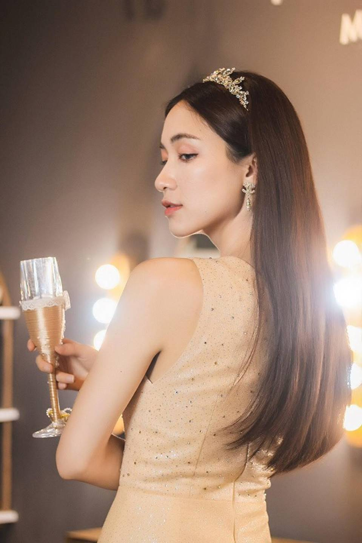 Hòa Minzy lại thả thính fans với bộ ảnh đẹp kiêu sa cùng nụ cười tít mắt-5