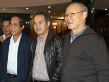 Bầu Đức trả 19,2 tỉ đồng tiền lương cho HLV Park Hang-seo