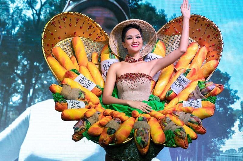 Bị chê tơi tả nhưng Bánh Mì của HHen Niê đã lọt Top 4 trang phục hấp dẫn nhất-3