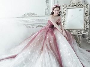 Đội vương miện, Hồ Ngọc Hà khoe vẻ đẹp sang chảnh như nữ thần