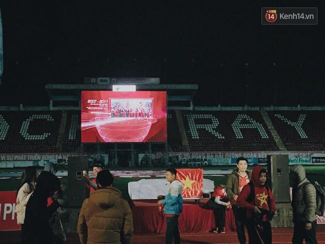 CĐV Việt Nam hụt hẫng khi ĐT Malaysia gỡ hòa 2 - 2 trong hiệp 2 trận chung kết AFF Cup 2018-58