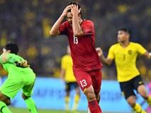 TRỰC TIẾP: Việt Nam 2- 1 Malaysia: Đức Chinh ôm đầu tiếc nuối khi sút hỏng