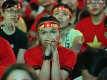 CĐV Việt Nam hụt hẫng khi ĐT Malaysia gỡ hòa 2 - 2 trong hiệp 2 trận chung kết AFF Cup 2018