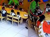 Nói chuyện trong lớp, 2 bé 4 tuổi bị giáo viên dán băng dính vào miệng