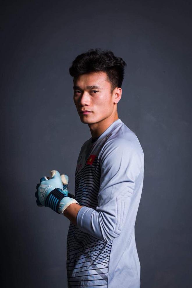 Tiến Dũng vs Lâm Tây: Ai cũng đẹp trai, 6 múi, tài năng... biết chọn ai bây giờ!-3