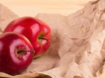 Người bán táo sẽ không bao giờ tiết lộ: Vì sao mua táo phải ghé qua hàng tạp hóa xin vài tờ báo giấy