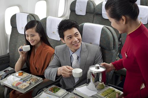 Nhân viên hàng không luôn IM NHƯ THÓC khi được hỏi về: Sự thật khủng khiếp về nước dùng trên máy bay-3