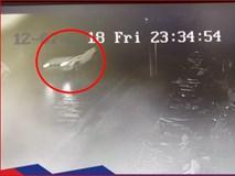 Camera an ninh 'tóm sống' chiếc xe Range Rover đâm nữ sinh rồi bỏ chạy