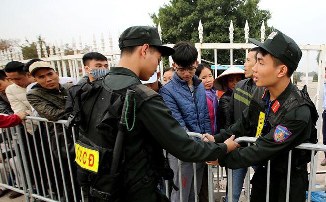 Lực lượng cảnh sát tinh nhuệ được bố trí bảo vệ 3.200 CĐV Malaysia tại sân Mỹ Đình-1