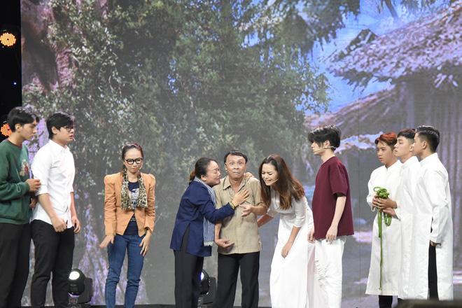 Việt Hương kể về quá khứ đầu bị ghẻ, ngồi trong thau diễn ảo thuật với ông ngoại-6