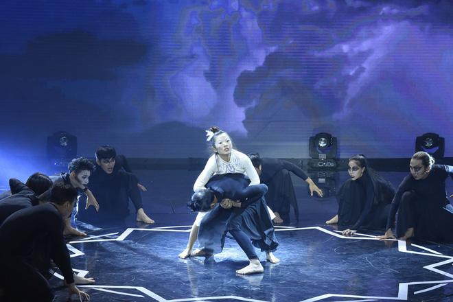 Việt Hương kể về quá khứ đầu bị ghẻ, ngồi trong thau diễn ảo thuật với ông ngoại-3