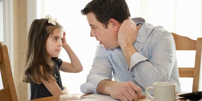 Những điều cha mẹ làm tưởng tốt nhưng có thể khiến con phát điên-2