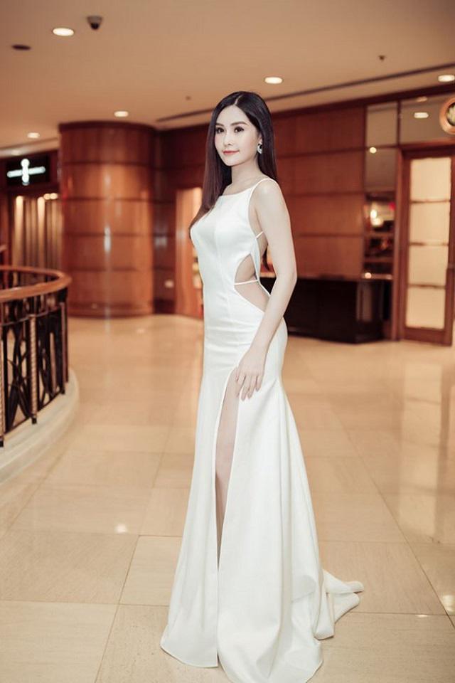 Đỏ mặt trước trang phục gắn mác 18+ của sao Việt, Elly Trần chưa phải là bạo nhất-7