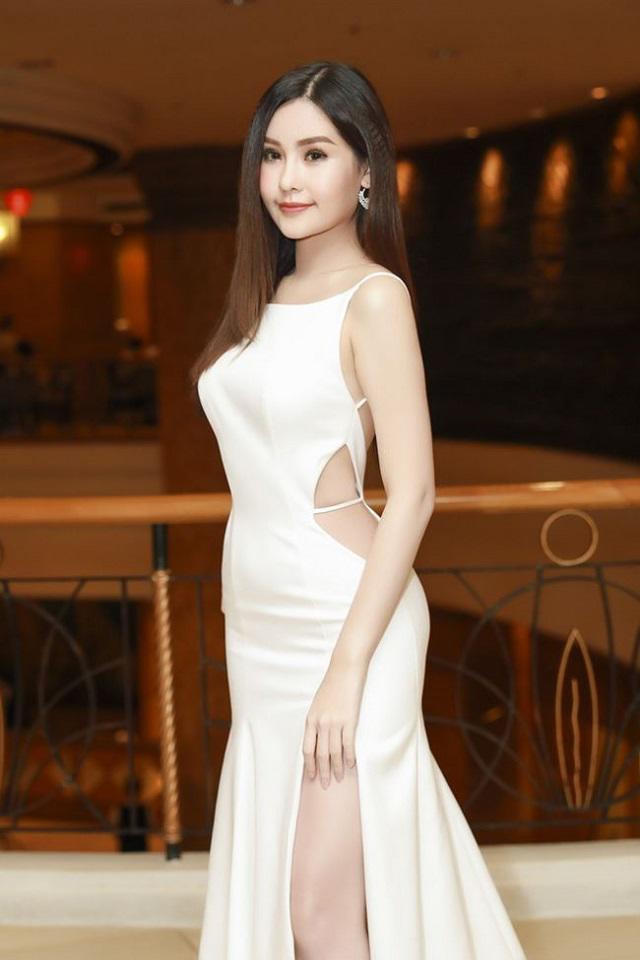 Đỏ mặt trước trang phục gắn mác 18+ của sao Việt, Elly Trần chưa phải là bạo nhất-8