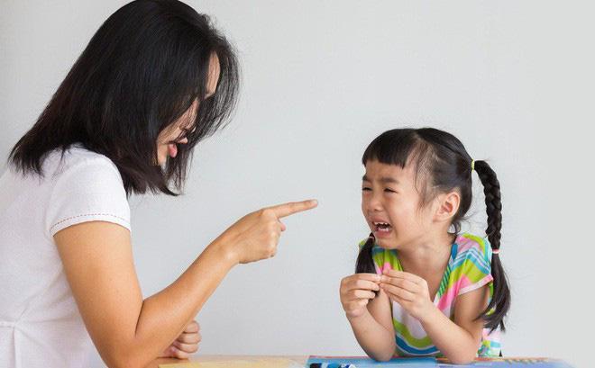 """Những bà mẹ ghê gớm"""", hay cằn nhằn sẽ có con thành công sớm hơn-1"""