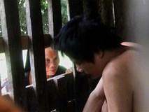 Mẹ già thắt ruột gần 15 năm nhốt con trai trong cũi chưa đầy 2m2