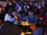 Pháo sáng lại cháy trên khán đài Mỹ Đình, LĐBĐ Việt Nam đối diện nguy cơ bị phạt-6