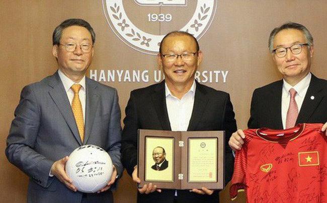 Vinh quang đầy chông gai của Park Hang-seo: Từ HLV đội bóng hạng 3 mờ nhạt đến niềm tự hào của cả Hàn Quốc-8