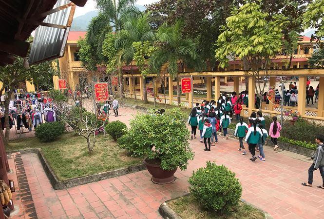 Hiệu trưởng phủ nhận lạm dụng tình dục, học sinh đã chỉ định hiện trường-1