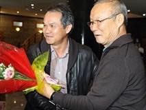 Sau khi cùng tuyển Việt Nam nâng cúp vô địch AFF Cup, đây là người HLV Park Hang Seo vội vã bay tới gặp