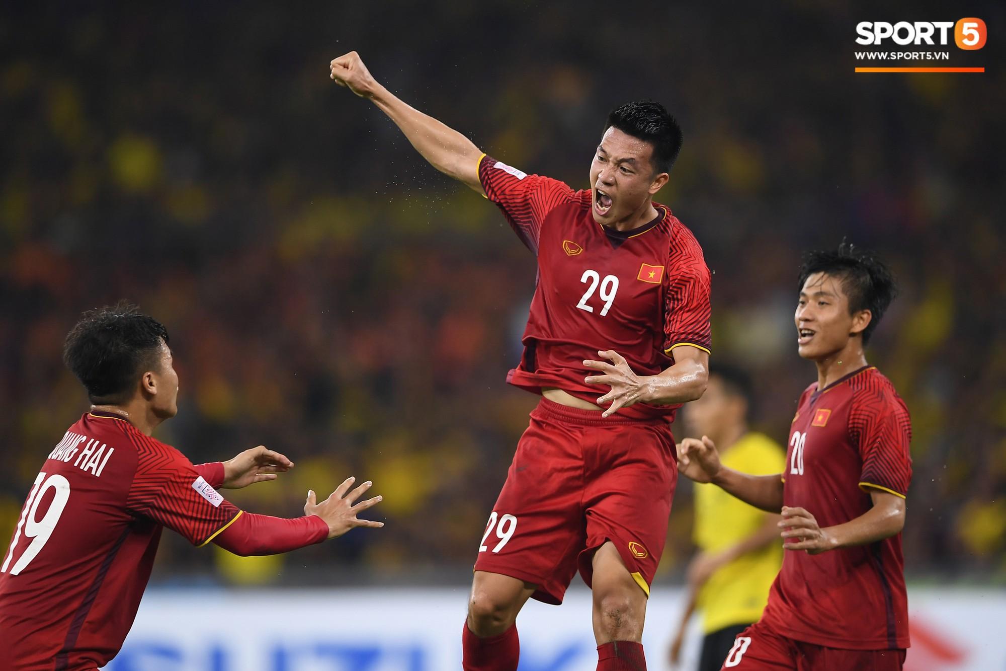 AFF Cup 2018 đã kết thúc, Việt Nam đã chiến thắng, và 10 khoảnh khắc đẹp nhất sẽ mãi lưu trong lòng người Việt-2
