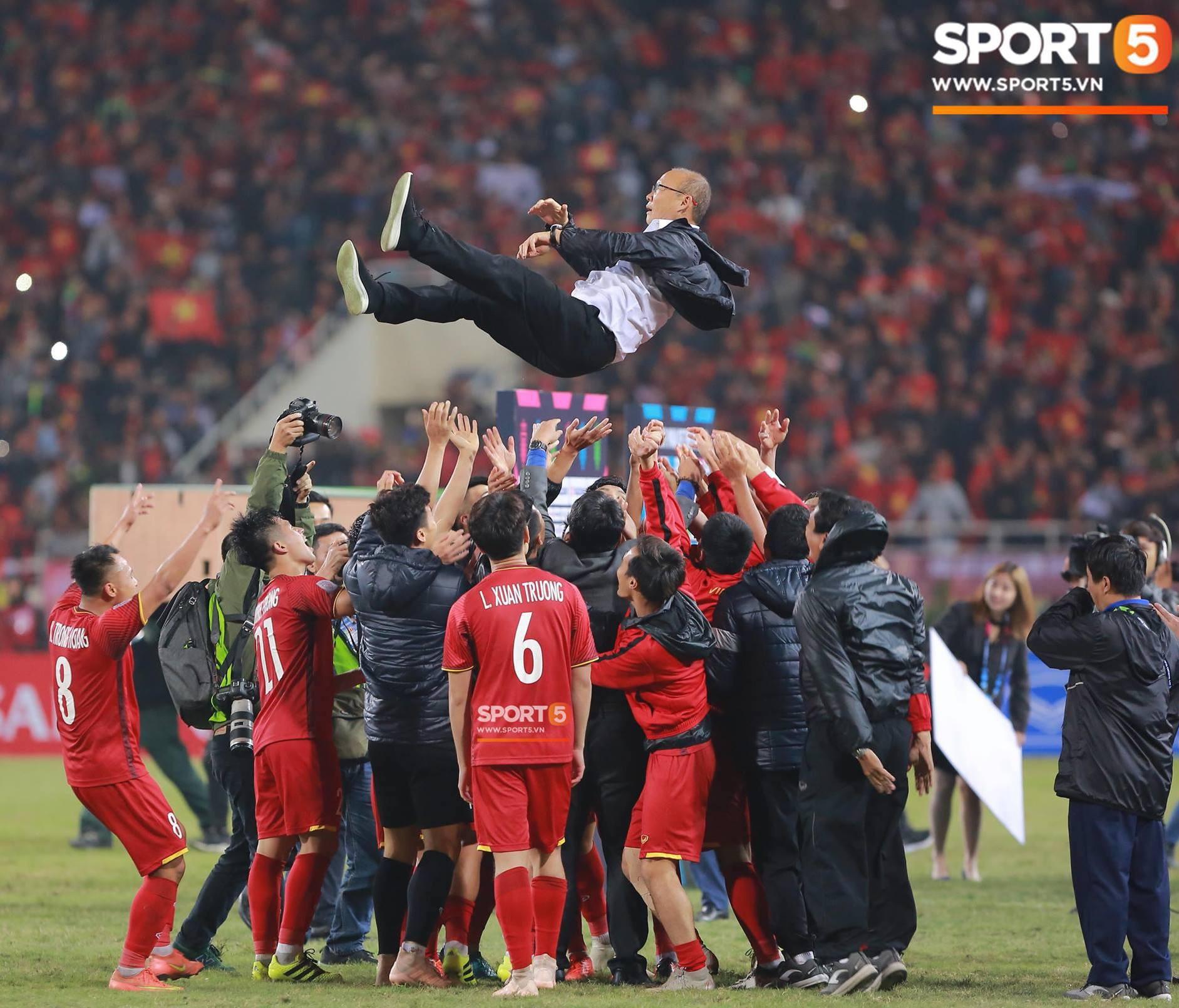 AFF Cup 2018 đã kết thúc, Việt Nam đã chiến thắng, và 10 khoảnh khắc đẹp nhất sẽ mãi lưu trong lòng người Việt-1