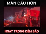 Đọ đẳng cấp đi bão mấy ai bằng BB Trần: Sẵn sàng lột đồ giữa đêm muộn mừng Việt Nam vô địch-1