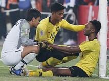Ảnh: Cầu thủ Malaysia đổ gục sau trận thua Việt Nam