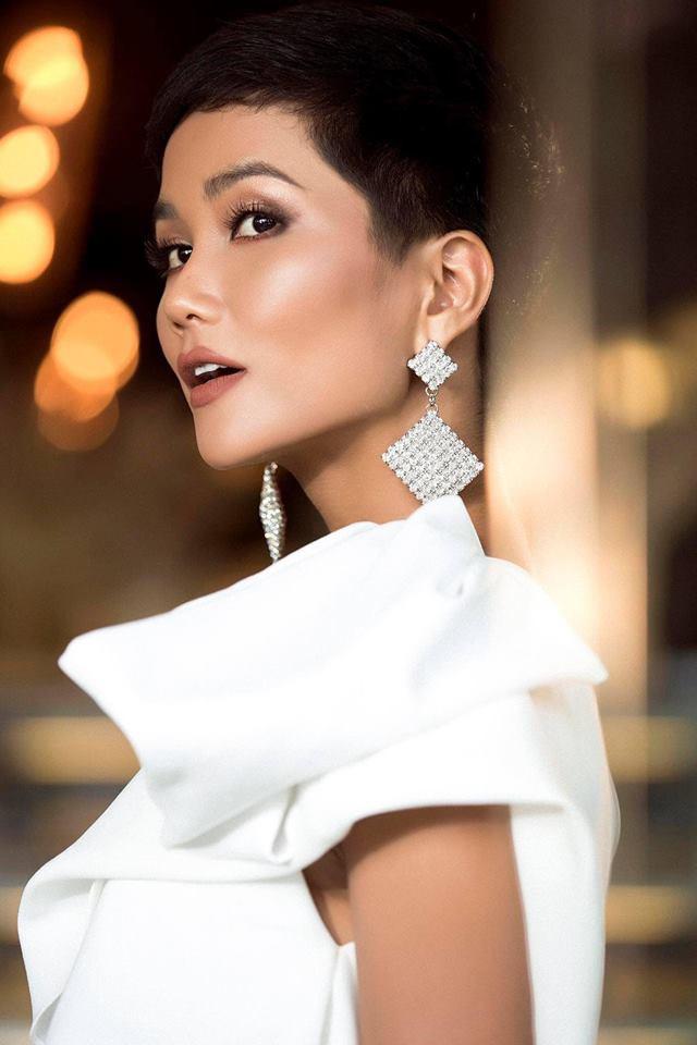 Vận đỏ của bóng đá Việt Nam sẽ giúp HHen Niê làm nên kì tích tại Miss Universe 2018?-3