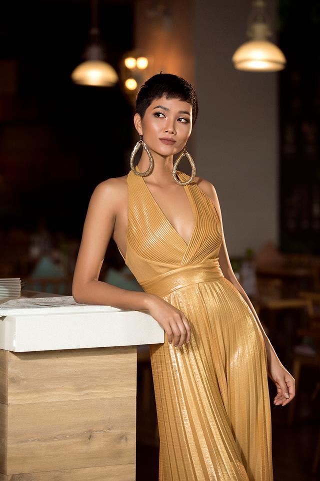 Vận đỏ của bóng đá Việt Nam sẽ giúp HHen Niê làm nên kì tích tại Miss Universe 2018?-5