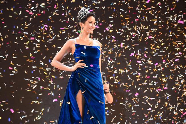 Vận đỏ của bóng đá Việt Nam sẽ giúp HHen Niê làm nên kì tích tại Miss Universe 2018?-10