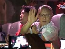 Tuyển Việt Nam rạng rỡ vẫy tay chào người hâm mộ trước khi rời Mỹ Đình