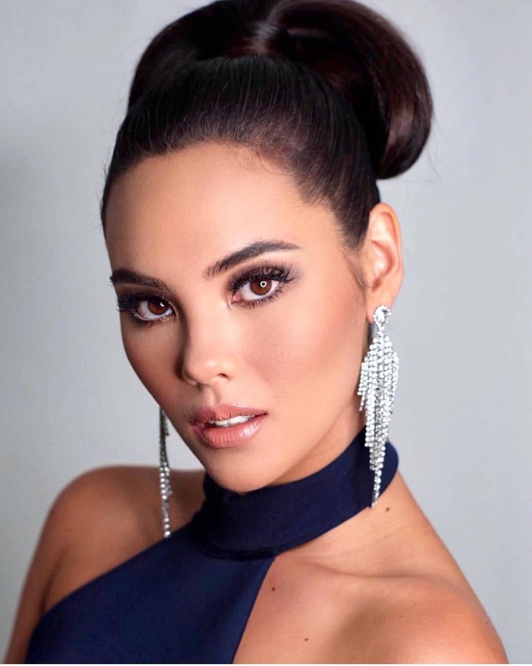 Nhan sắc lai đẹp rực rỡ của Tân Hoa hậu Hoàn vũ 2018 và loạt thành tích khủng trên hành trình đoạt được vương miện-16