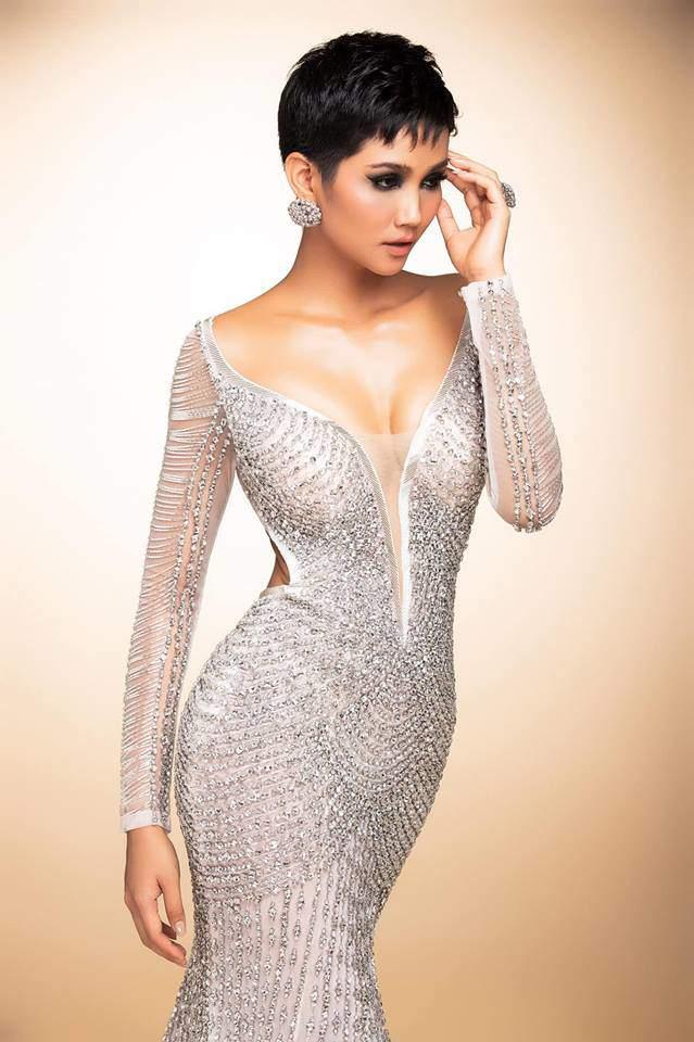 Cận cảnh chiếc váy 3000 viên đá quý như kim cương giúp HHen Niê làm nên kỳ tích-5