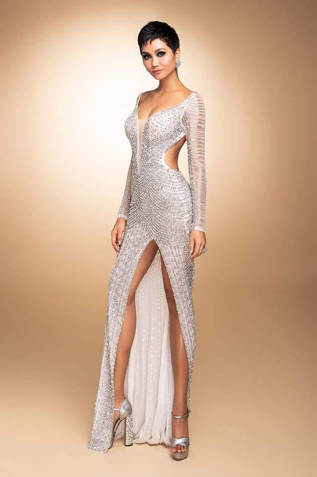 Cận cảnh chiếc váy 3000 viên đá quý như kim cương giúp HHen Niê làm nên kỳ tích-6