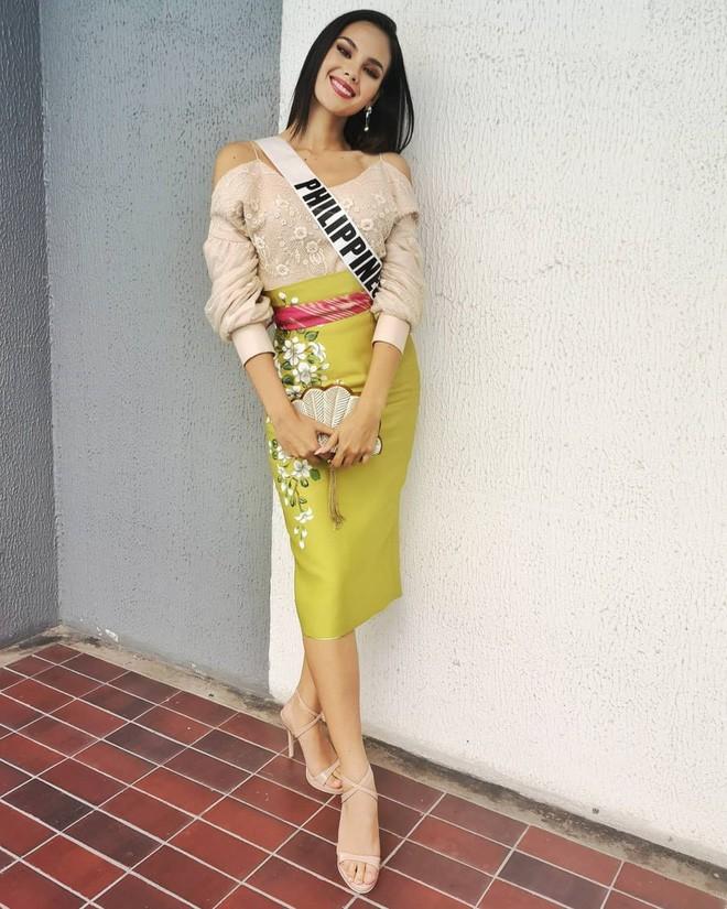 Style của tân Hoa hậu Hoàn vũ Catriona Gray: từ đầu đến cuối đều lộng lẫy như bà hoàng-10