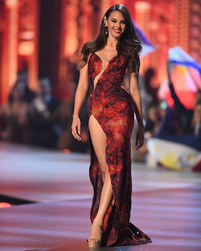 Style của tân Hoa hậu Hoàn vũ Catriona Gray: từ đầu đến cuối đều lộng lẫy như bà hoàng-15