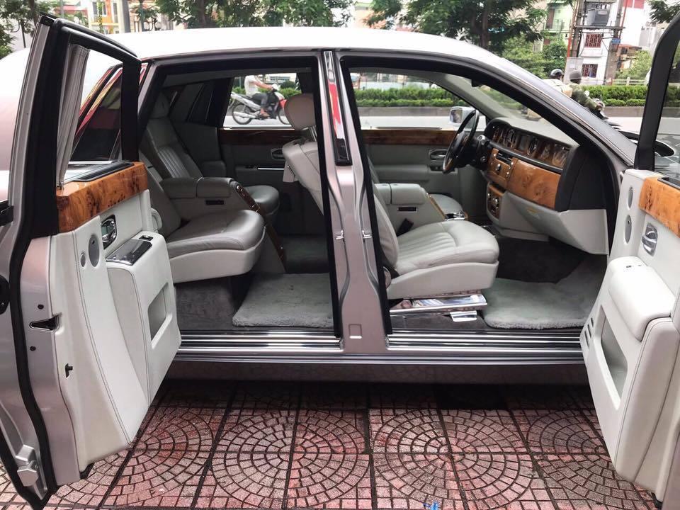 Vừa chuyển giao 2 lâu dài, Khải Silk còn bán cả siêu xe Rolls-Royce Phantom-4