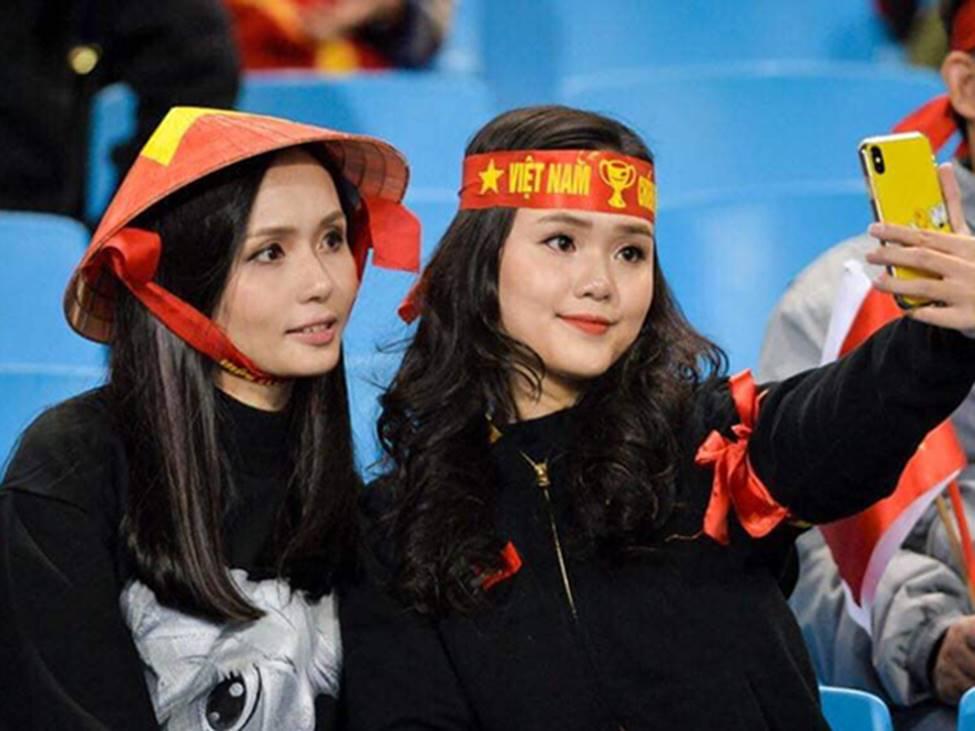 Cặp chị em danh giá khiến Văn Quyết, Duy Mạnh si mê-2